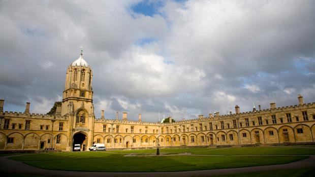Universidade de Oxford, na Grã-Bretanha - 4º lugar no ranking de reputação da revista THE