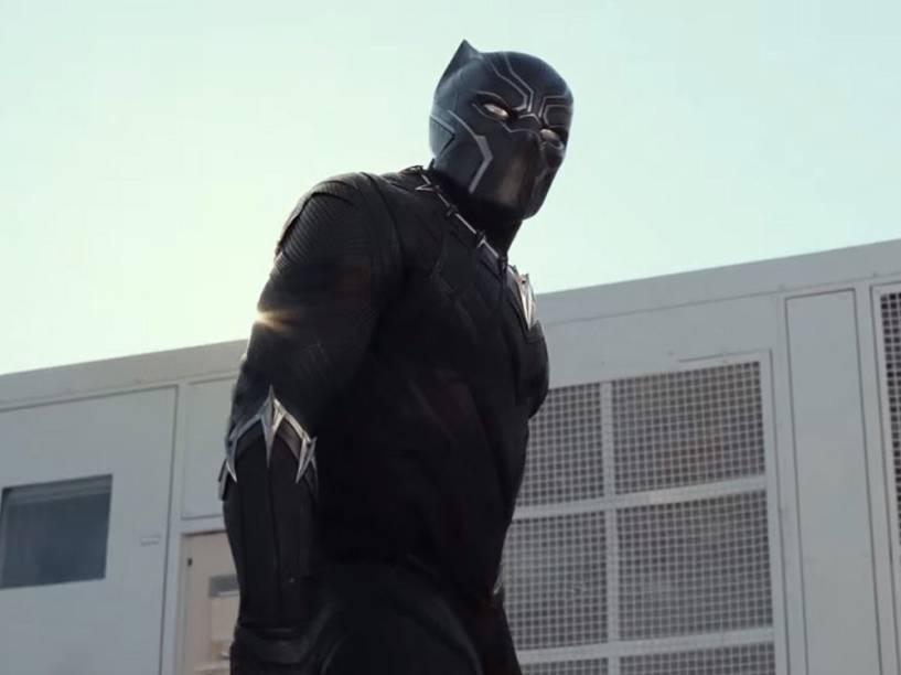 Pantera Negra (Chadwick Boseman) no filme Capitão América: Guerra Civil