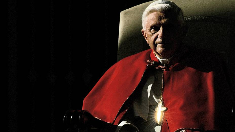 Bento XVI, de 85 anos, anunciou, nesta segunda-feira, que deixará o pontificado em 28 de fevereiro em razão da idade avançada