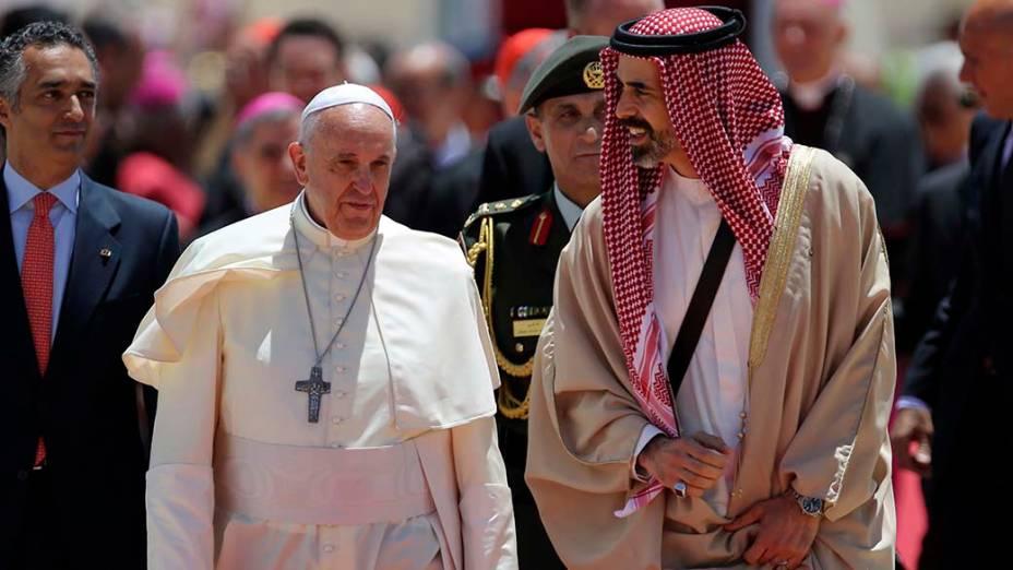 Papa Francisco ao desembarcar em Amã, na Jordânia