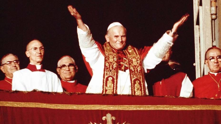1978 – No Vaticano, Cardeal Karol Wojtyla recém-eleito como Papa João Paulo II