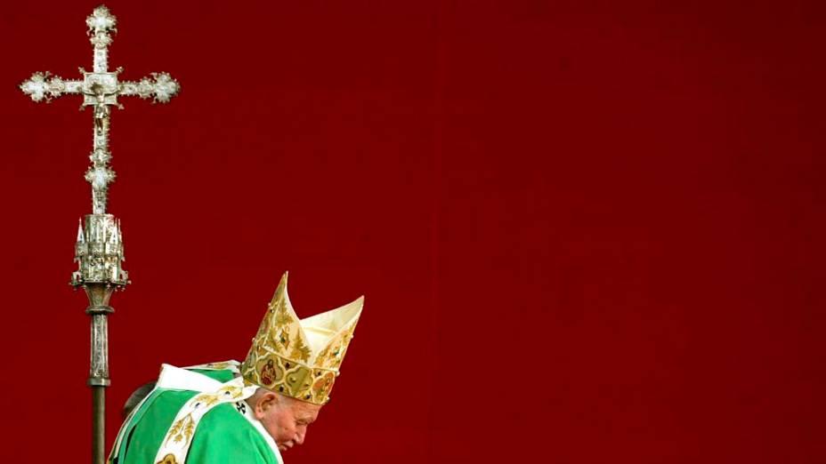 2002 – Papa João Paulo II na Polônia
