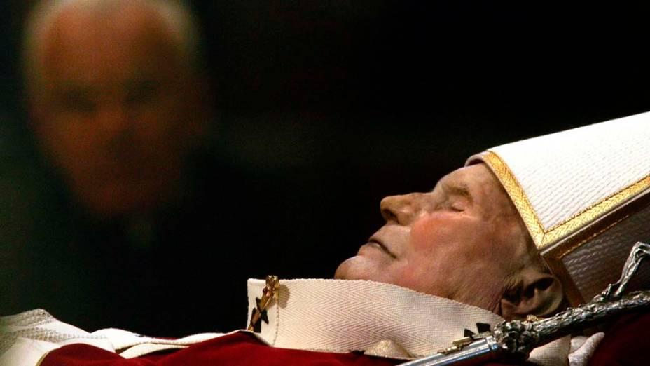 2005 – Corpo do Papa João Paulo II na Basílica de São Pedro, no Vaticano