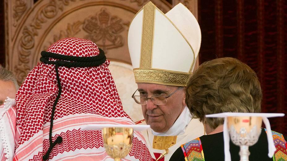 Papa Francisco celebra missa em Amã, na Jordânia. Em sua viagem pela Terra Santa, o pontifíce passará por Amã, Belém e Jerusalém