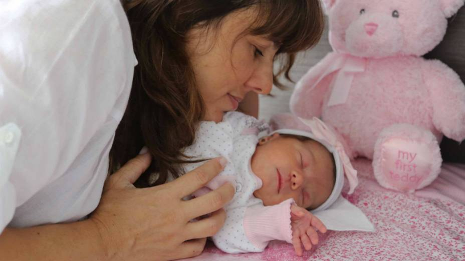 A fisioterapeuta carioca Cintia Porto, 42 anos, fez questão de fazer parto normal