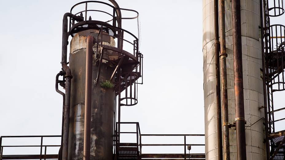 Equipamentos da usina de Pasadena são corroídos pela ferrugem