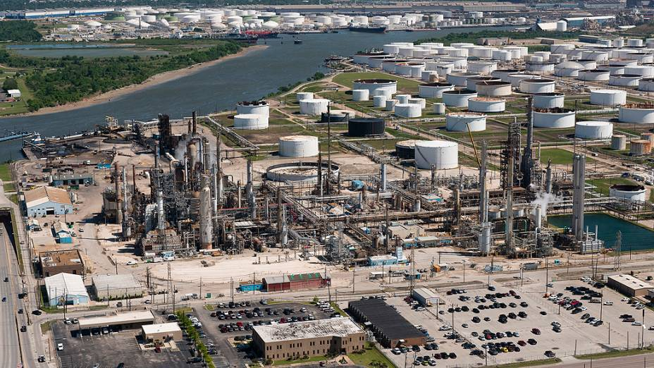 Vista aérea da refinaria de Pasadena, comprada pela Petrobras no Texas