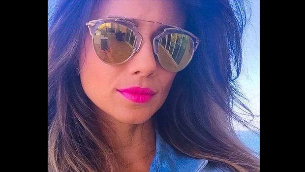 Paula Fernandes posta foto no Instagram: Curtindo as férias com as amigas!, escreve na legenda