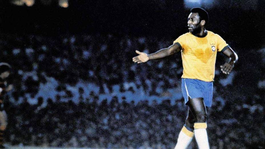 O 'coração de suor' de Pelé, em seu jogo de despedida pela seleção brasileira, contra a Iugoslávia, 18 de julho de 1971: empate de 2 a 2