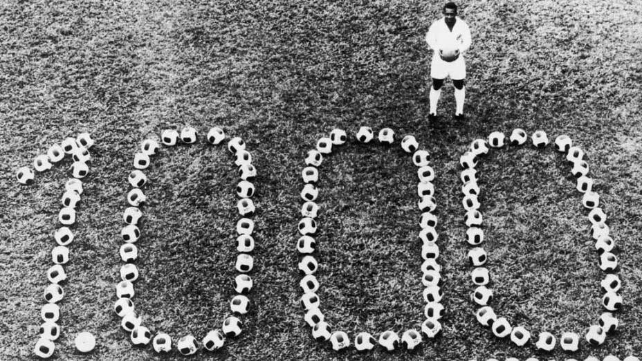 Em 14 de dezembro de 1969, Pelé comemorou seu milésimo gol