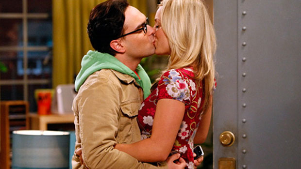 Penny (Kaley Cuoco) e Leonard (Johnny Galecki) do seriado <em>The Big Bang Theory</em>