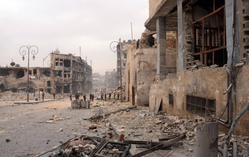 Área destruída por combates na cidade de síria de Aleppo