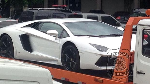 PF apreende veículos de luxo e R$ 90 mil na residência de Eike Batista