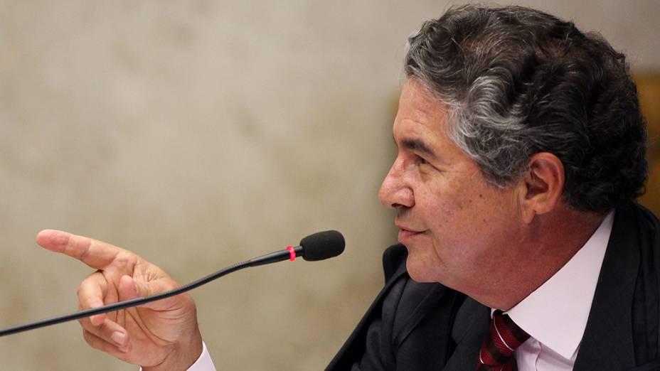 O ministro do Supremo Tribunal Federal (STF), Marco Aurélio Mello, durante análise dos recursos apresentados pelas defesas dos 25 réus condenados pela corte, os chamados embargos