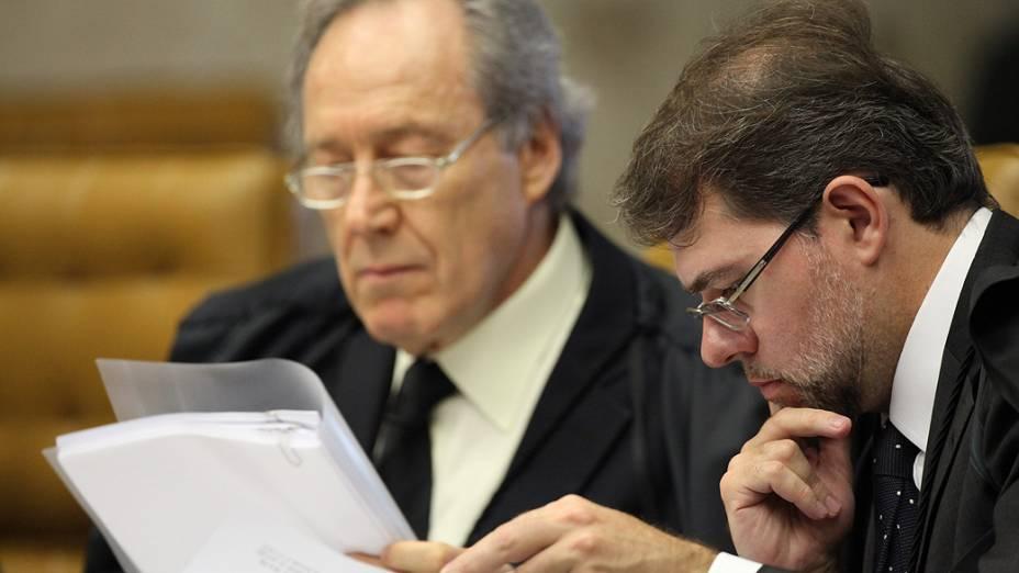 Os ministros do Supremo Tribunal Federal (STF), Ricardo Lewandoski e Dias Toffoli, durante análise dos recursos apresentados pelas defesas dos 25 réus condenados pela corte, os chamados embargos