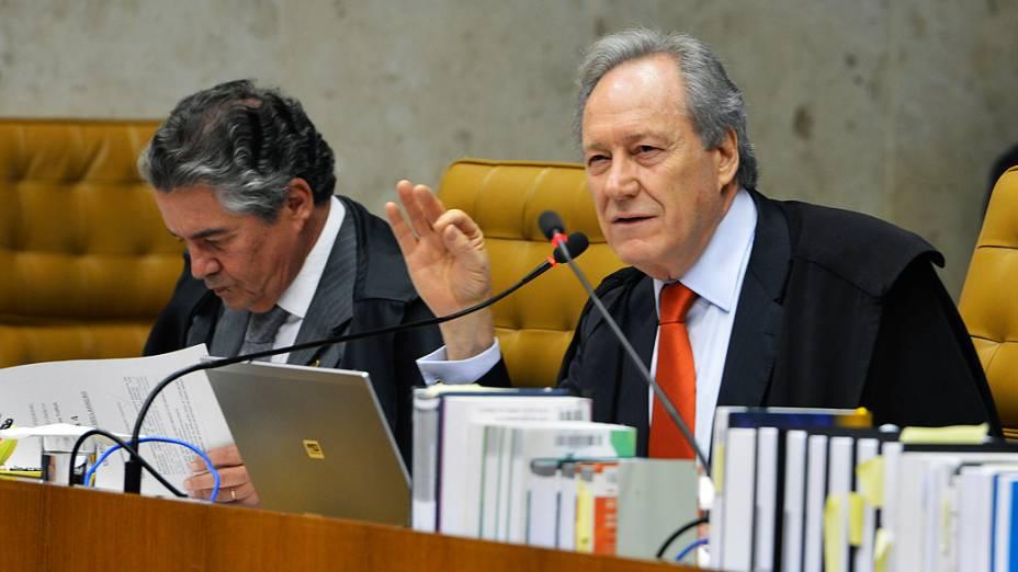O ministro do Supremo Tribunal Federal (STF) Ricardo Lewandowski, durante análise dos recursos apresentados pelas defesas dos 25 réus condenados pela corte, os chamados embargos, nesta quarta-feira (28)