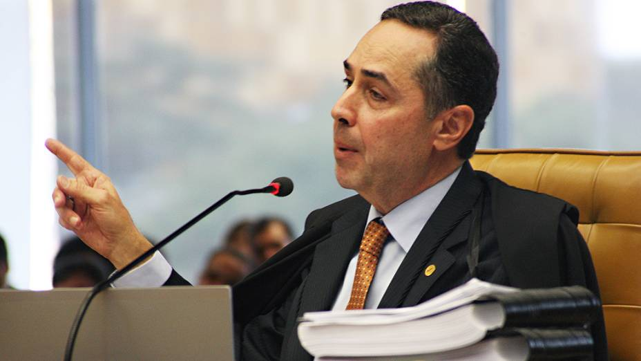 O ministro do Supremo Tribunal Federal (STF) Luís Barroso, durante análise dos recursos apresentados pelas defesas dos 25 réus condenados pela corte, os chamados embargos, nesta quarta-feira (11)