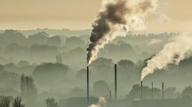Os cientistas atribuíram o aumento de gás carbônico, que contribui em cerca de 64% para o aquecimento global, à queima de combustível fóssil, ao desmatamento e a mudanças no uso da terra