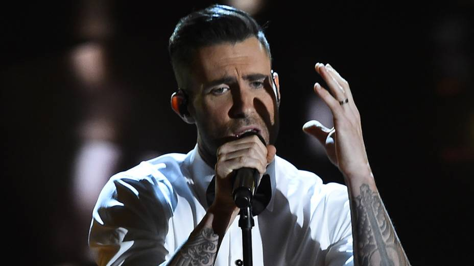 Adam Levine apresenta Lost stars, tema de Mesmo se nada der certo, no Oscar 2015