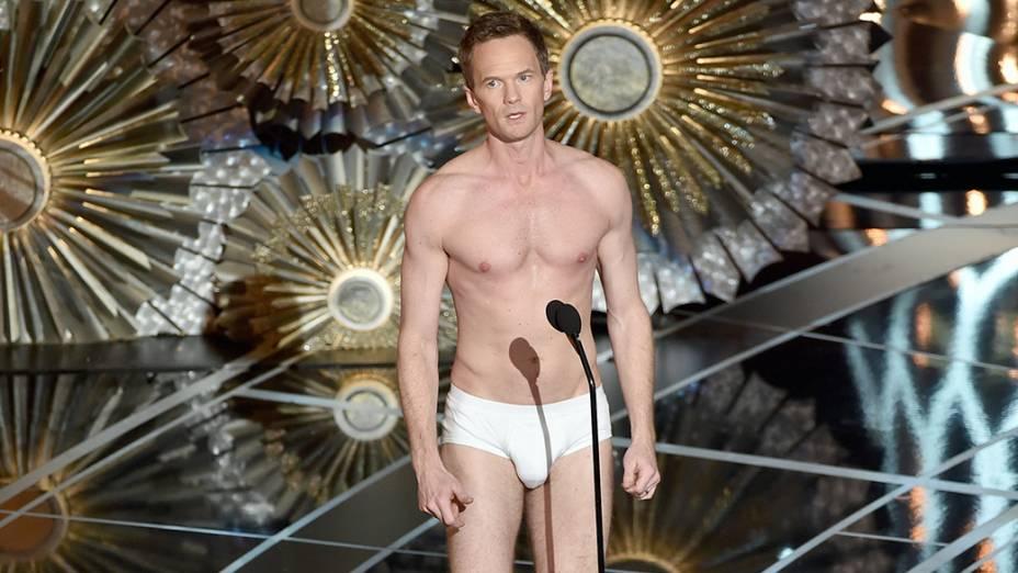 Neil Patrick durante apresentação do Oscar 2015