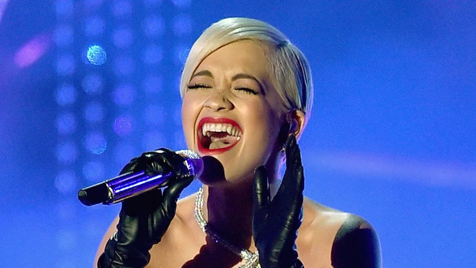 Rita Ora canta a música Grateful, que concorre ao Oscar, do filme Além das luzes