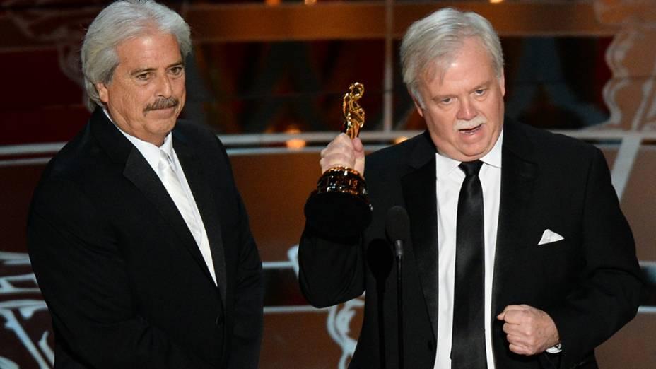 Alan Robert Murray e Bub Asman ganhadores do Oscar de melhor edição de som por Sniper americano