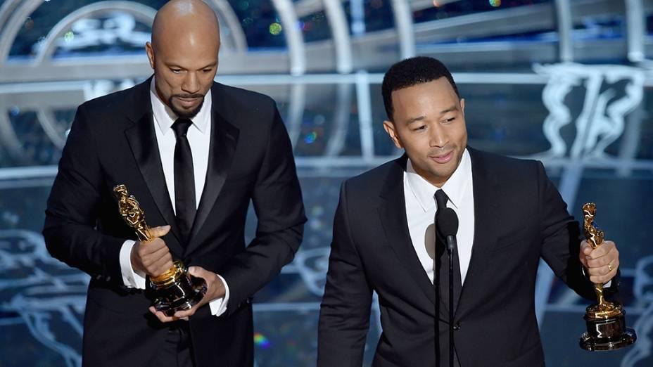 Common e John Legend recebem Oscar pela canção Glory, do filme Selma