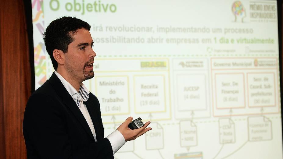 Bruno Santos, finalista do Prêmio Jovens Inspiradores, durante última etapa do concurso em São Paulo (2/12/13)