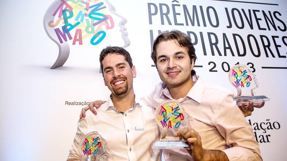 Bruno Santos e Samuel Gondim, vencedores do Prêmio Jovens Inspiradores 2013