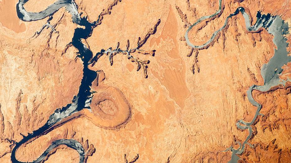 <p>Vista aérea do Lago Powell, no Arizona</p>