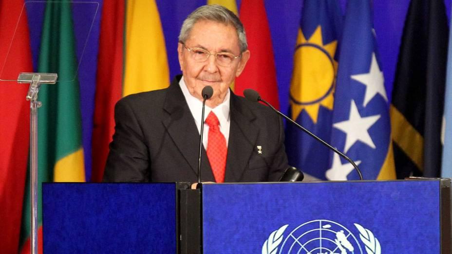 Presidente cubano Raul Castro discursa durante plenária da Rio+20