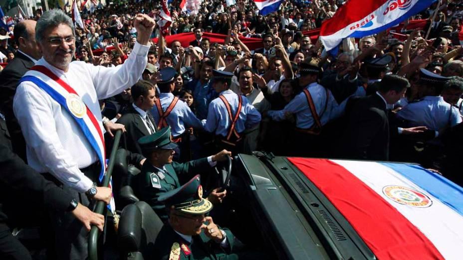 Fernando Lugo após ser juramentado como presidente do Paraguai em 2008