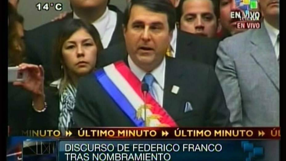 O vice presidente paraguaio Federico Franco discursa após impeachment