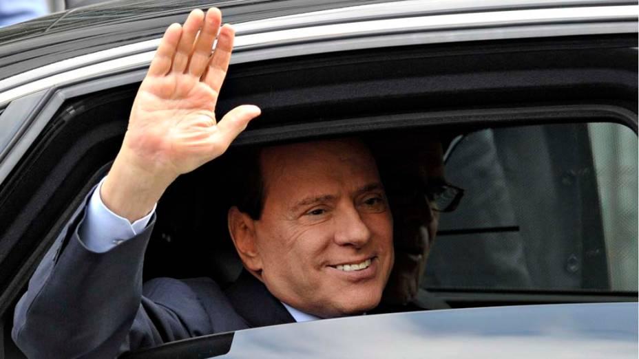 O primeiro-ministro italiano Silvio Berlusconi em Milão, na Itália