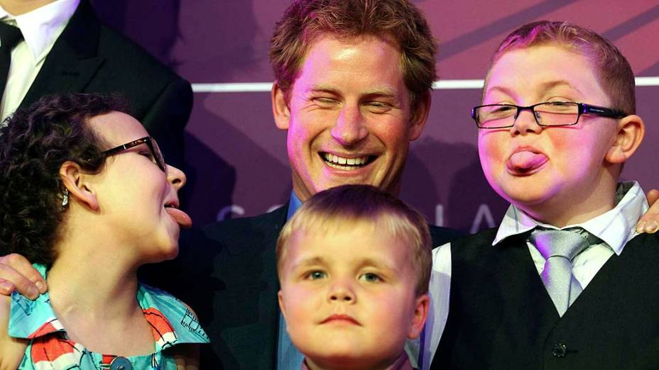 Príncipe Harry durante cerimônia de premiação da WellChild, organização que cuida de crianças doentes no Reino Unido