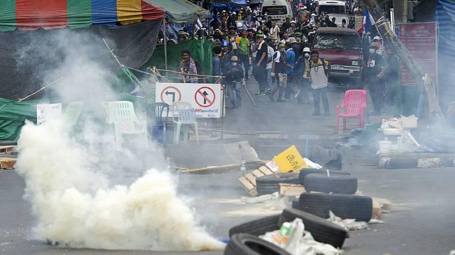 Confronto nas ruas de Bangcoc: mortes e acumulam em meio à crise política tailandesa