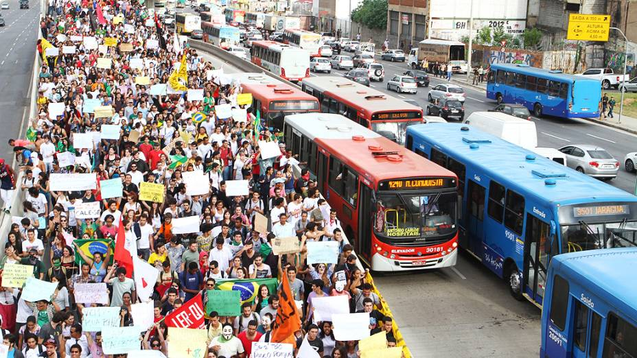 Belo Horizonte - Protesto na capital mineira contra a Copa e o aumento na tarifa do transporte público