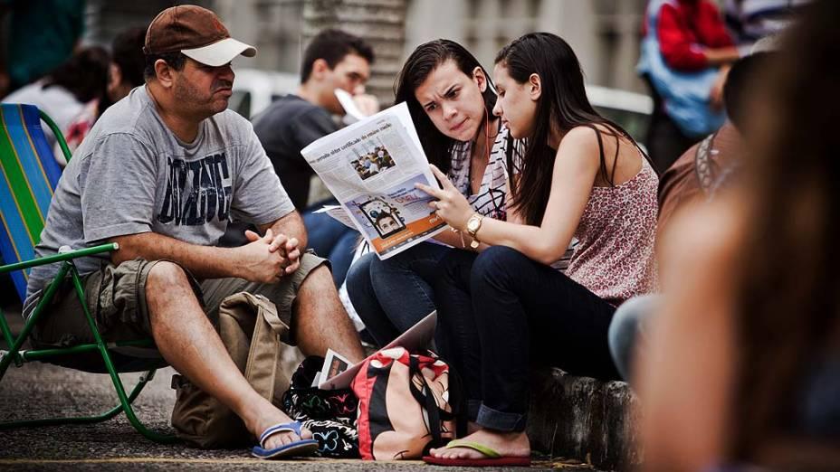 Estudantes antes do início da prova do Exame Nacional do Ensino Médio (ENEM) na UERJ, no Rio de Janeiro
