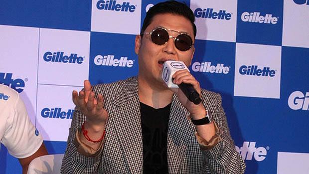 Em coletiva de imprensa, em Salvador, Psy diz que quer colocar lenha na fogueira no Carnaval brasileiro
