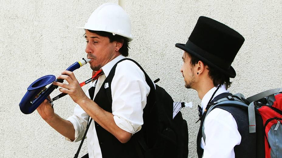 Os portões do Jockey Club abriram às 11h47 neste sábado (30), o segundo dia do festival Lollapalooza em São Paulo