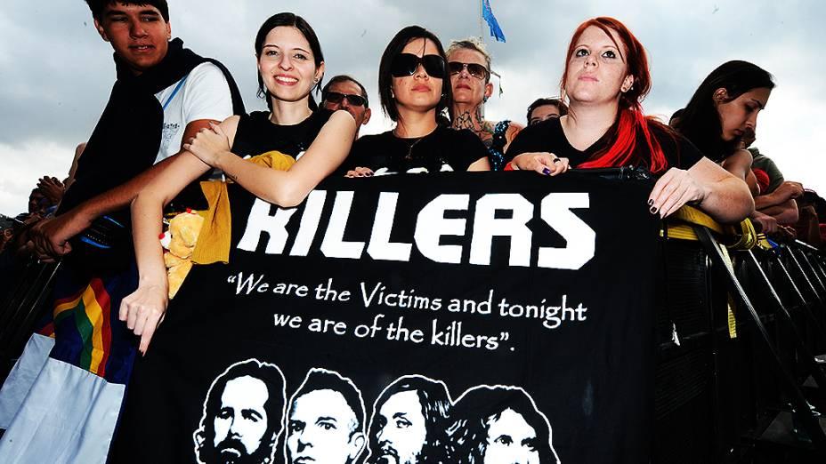 Público aguarda apresentação do The Killers no Lollapalooza