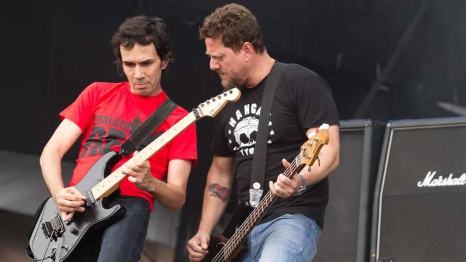 Show dos Raimundos no palco Energia & Consciência, no último dia do festival SWU em Paulínia, em 14/11/2011