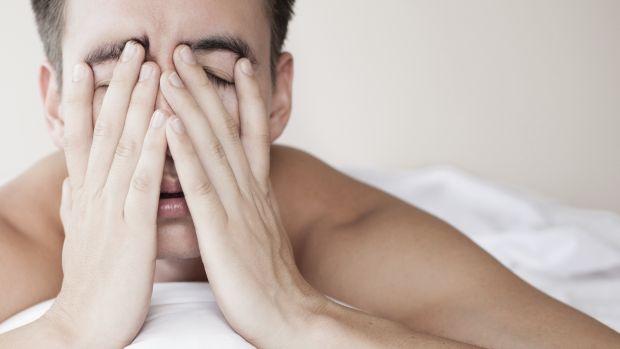 Segundo os cientistas, levar o travesseiro em viagens pode ajudar a driblar a difícil primeira noite de sono