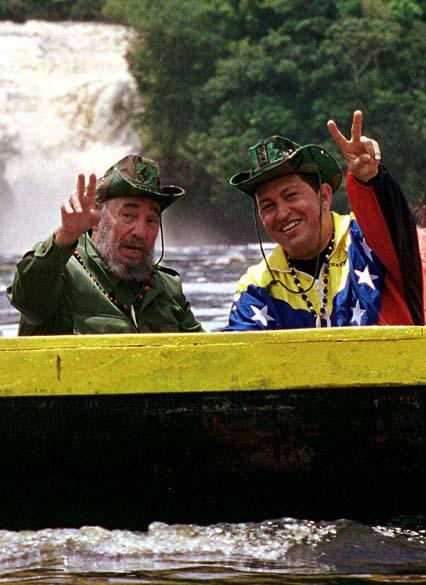 Ao lado de Fidel Castro no Parque Nacional do Canaima, Venezuela, em agosto de 2001