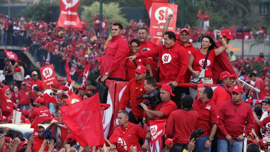Hugo Chávez durante comício em Caracas, Venezuela