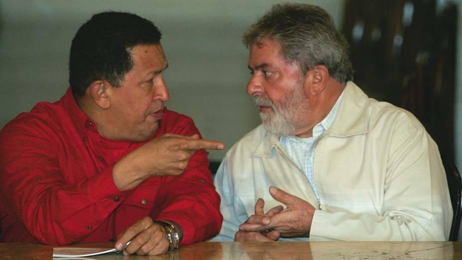 Hugo Chávez conversa com Lula sobre questões de energia em Recife