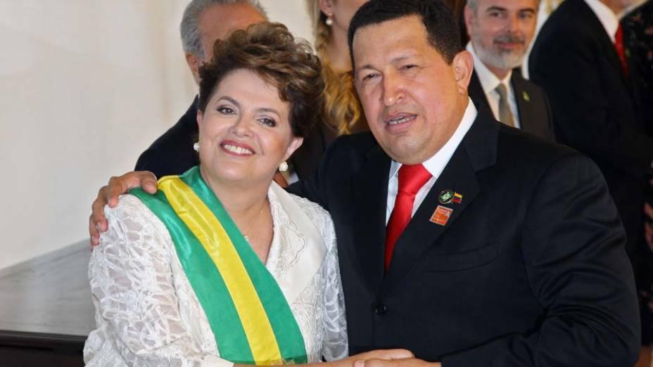 Hugo Chávez durante posse da presidente Dilma em Brasília, em janeiro de 2010