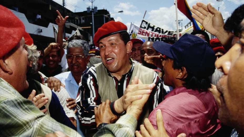 Chávez em ato de campanha em Caracas, em agosto de 1998