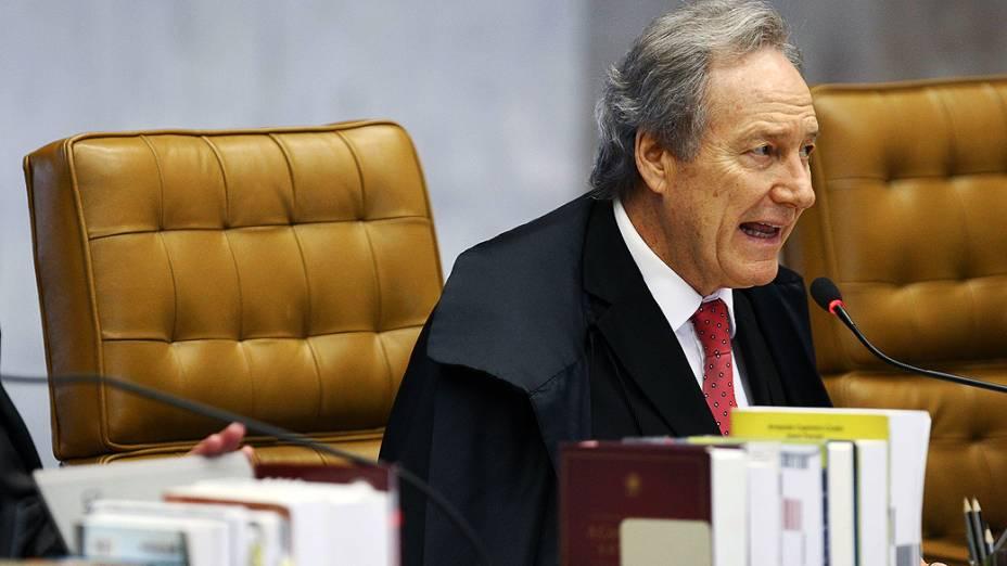 Ministro do Supremo Tribunal Federal (STF), Ricardo Lewandovisk durante julgamento do mensalão, em 26/09/2012
