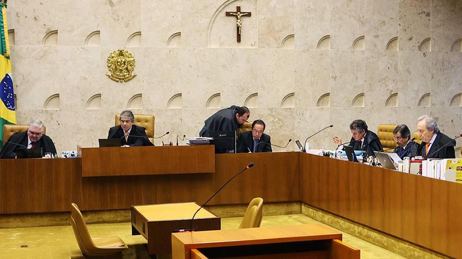 STF retoma o julgamento do mensalão com voto do revisor, ministro Ricardo Lewandowski